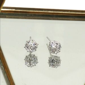 Ocean Fashion Jewelry - Small crystal ball silver stud earrings